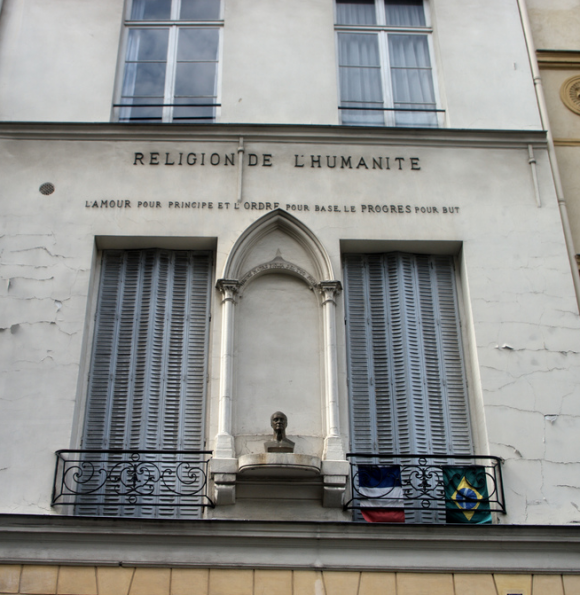 Il tempio della religione dell'umanità che Comte aprì a Parigi nel Marais