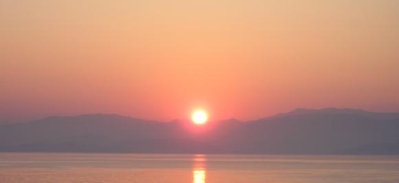 """la proposizione """"domani il sole non si leverà"""" non è né meno intelligibile né più contraddittoria dell'affermazione contraria"""