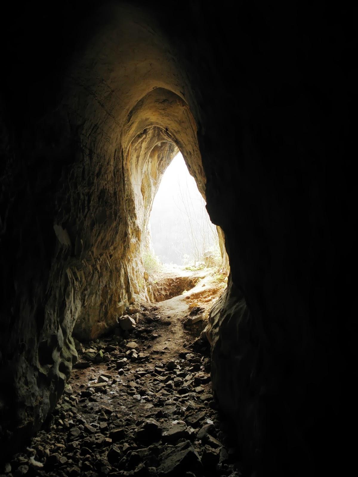 uscita dalla caverna | ~ gabriella giudici